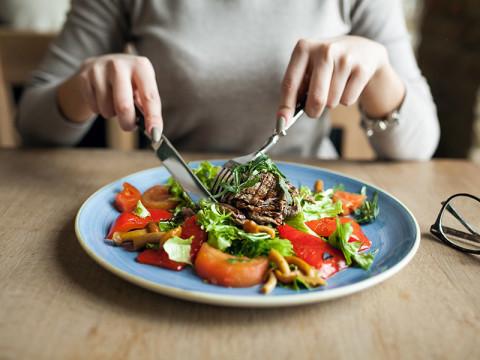 サラダはドレッシング抜き。加工食品は食べない。サンフランシスコ女子は「食」へのこだわりがあるのが当たり前