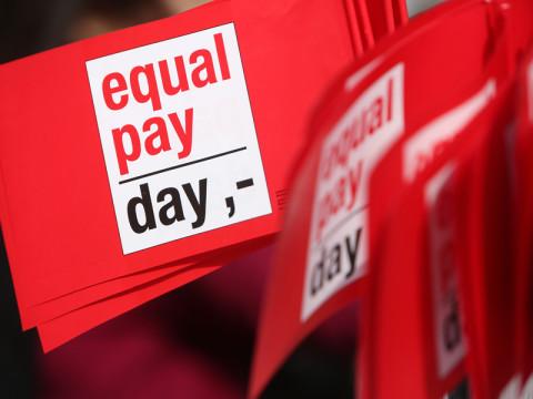 日本の男女の賃金格差は、約4か月分。4月7日は「イコール・ペイ・デイ」