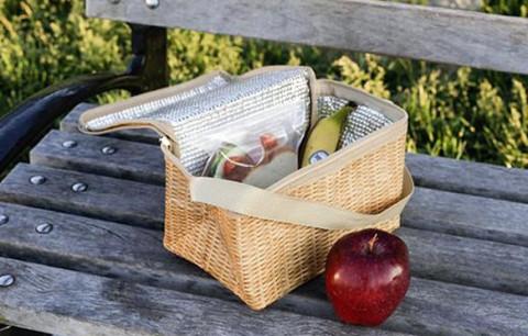 夏の必需品!見た目もキュートなバスケット風保冷バッグがおしゃピクやビーチに最適♩