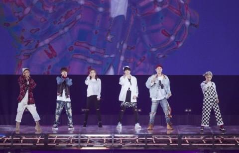 AAA「すごいね、名古屋」初の4大ドームツアー開幕 MCは軽妙な楽屋トーク!?