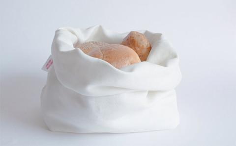 """パン好きはマストチェック!焼きたての状態が保てる""""パン専用バッグ""""がほしい♩"""