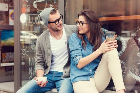 LINEでの会話を充実させるために、デート中に聞くべきこと!