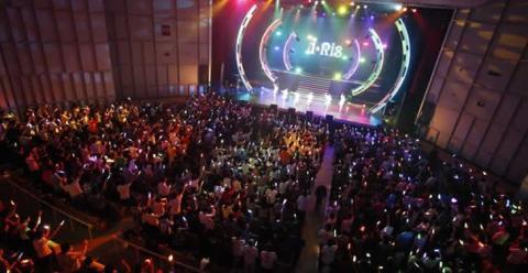 声優とアイドルのハイブリッドユニット i☆Ris が デビュー5周年記念ライブレポート