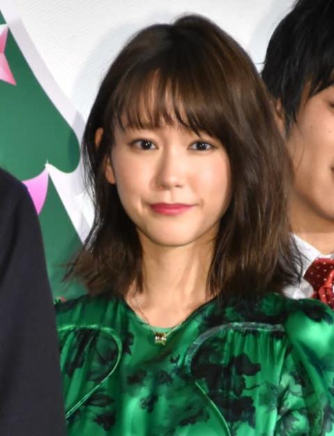 """桐谷美玲、男性キャストの""""かわいい""""連発に照れ笑い"""