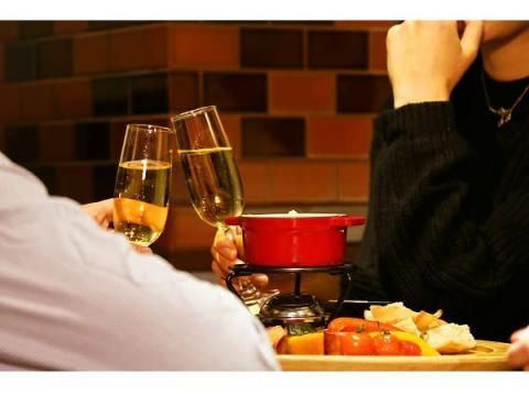 夜景が眺めるカフェのカップルシートで特別なXmasを!