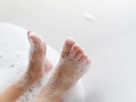 お風呂でブルブル。ぜい肉引きしめエクササイズ