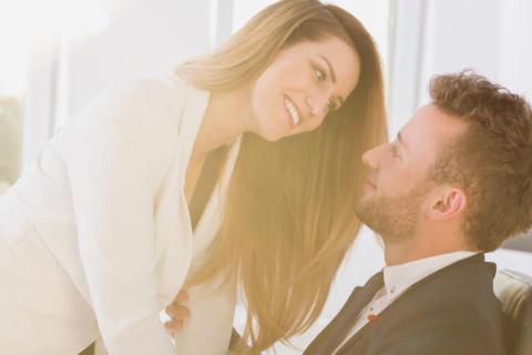 社内恋愛中のカップル必読!どんなにラブラブでも「彼がすごく怯えていること」4選