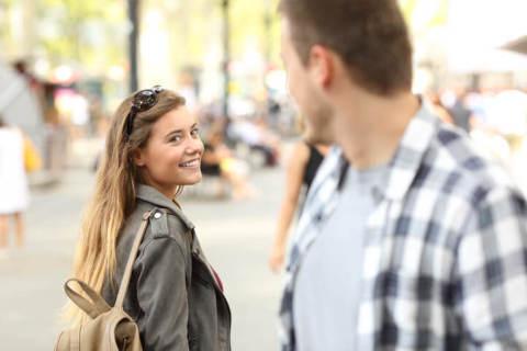 好きな人に話しかける時。冷たくされない「声かけの極意」4つ