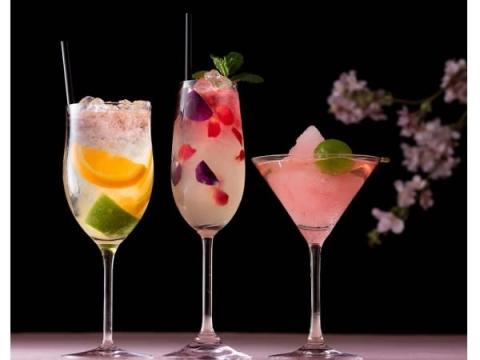 春の宵に楽しみたい!ホテルのバーの桜カクテル3選