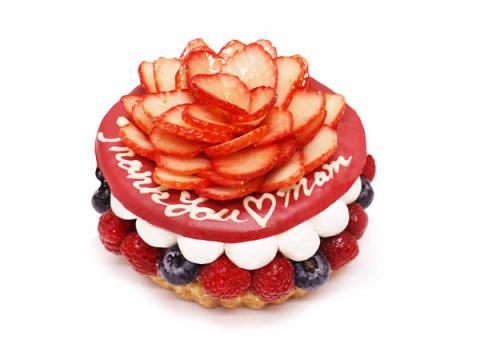 苺のカーネーションが豪華!「カフェコムサ」の母の日ケーキ