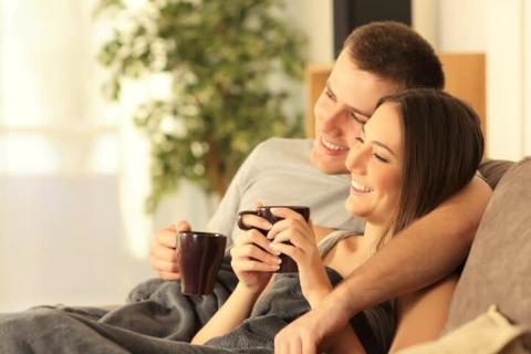 年下男子の恋愛対象に入る女子が持っているモテポイント4つ