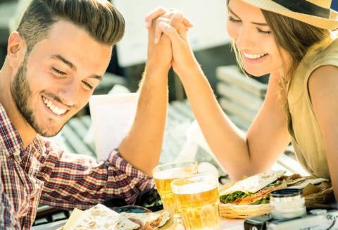 友達以上恋人未満のグレーな時期を上手く乗り切るコツとは?
