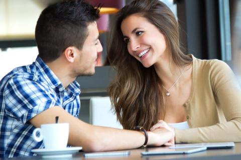 モテ女が使う会話術!男性の心を掴む5つの話題とは?