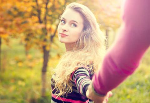 男子が「かわいい!」と感じる秋のファッション・メイクのポイント