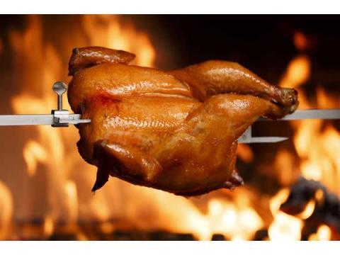 OPEN1周年記念!薪窯で焼いたロティサリーチキンをプレゼント