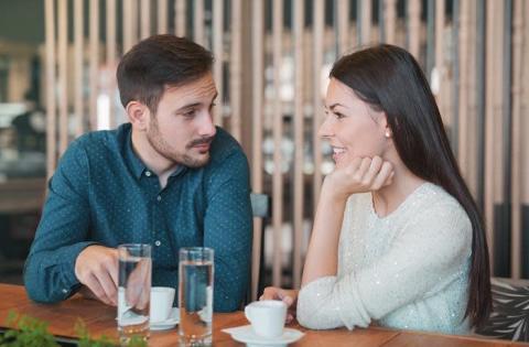 付き合う前のデート代は割り勘?それとも男性の奢り?
