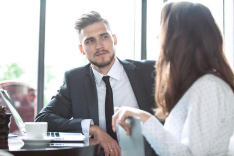 職場恋愛中、男子が「絶対やってほしくない」こと5つ