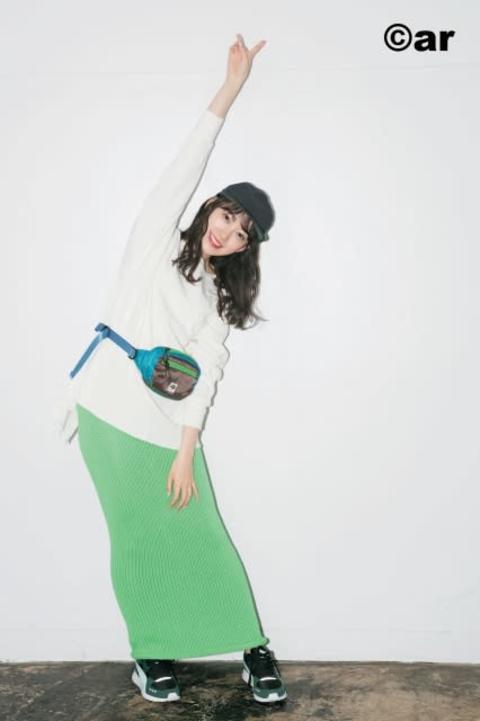 乃木坂46堀未央奈、美白肌でピュアな白アイテムを華麗に着こなし