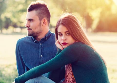 春なのにお別れ…新生活スタートでカップルが破局する理由