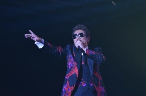 鈴木雅之、デビュー39年目で初のアニメイベント出演 ライブでアニソン披露し1万3000人熱狂