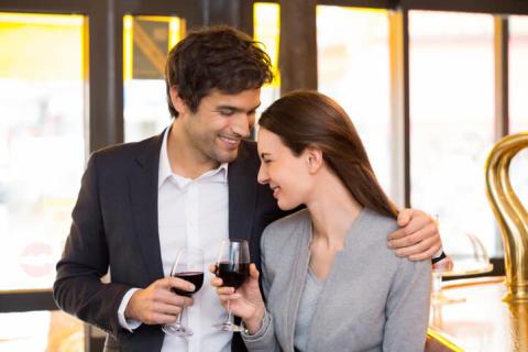 男子が本気で結婚前提で付き合いたいと思う女子とは?