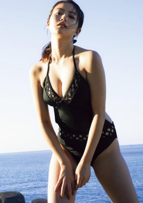 今田美桜、初写真集『生命力』がデジタル化 健康的な肉体美を披露 21歳の魅力凝縮