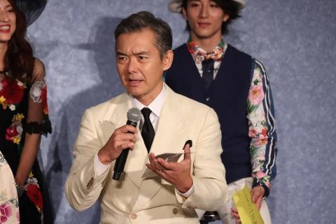 ダンディさく裂!渡部篤郎 七夕の願いは「家族が元気に」