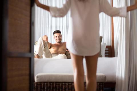 男子が妄想する女性の下着姿