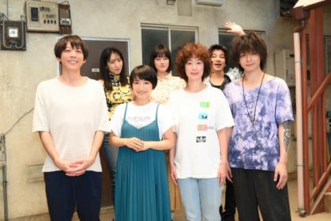 miwa、『凪のお暇』撮影現場を表敬訪問 黒木華たちと対面「モフモフヘアーを生で見られて感激!」