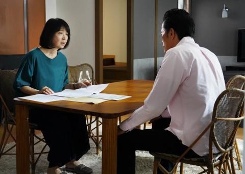 遠藤憲一の妻は社長、田中美佐子の夫はお笑い芸人 実際の夫婦関係は?