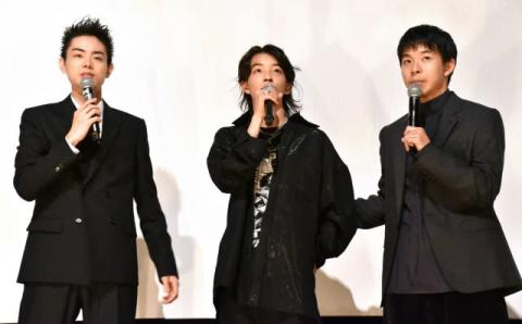 菅田将暉、新人俳優・YOSHIの緊張をほぐすために…「サッカーや野球をしました」