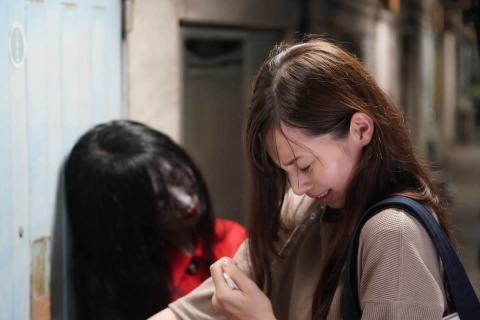"""""""ほん怖""""20周年スペシャルに中条あやみが出演!全身赤い女の気配が忍び寄る…"""