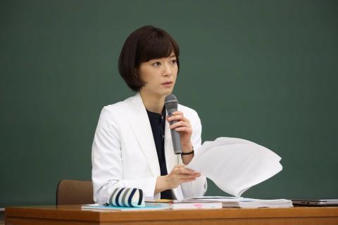 法医学者として学生たちに命の講義を行う朝顔 そして悲劇的な事故が…