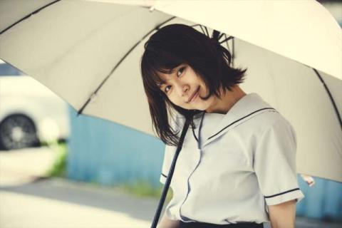 有村架純、17歳の女子高生に扮した未公開写真を公開