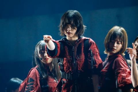 """欅坂46、初東京ドームで2日間10万人熱狂 1年9ヶ月ぶり「不協和音」""""封印""""解く"""