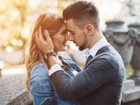 思わず…!男性が彼女にキスしたくなる瞬間3つ