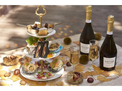 絶好のロケーションで料理とシャンパンを楽しむ秋限定プラン