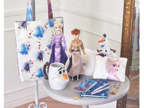 ディズニーストアに「アナと雪の女王2」関連アイテムが登場