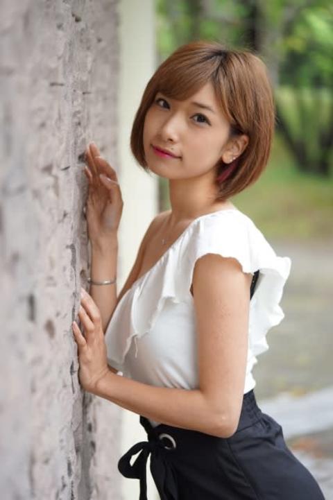 元AKB森川彩香が結婚&妊娠を発表 体調面を考え「しばらく芸能活動をお休み」