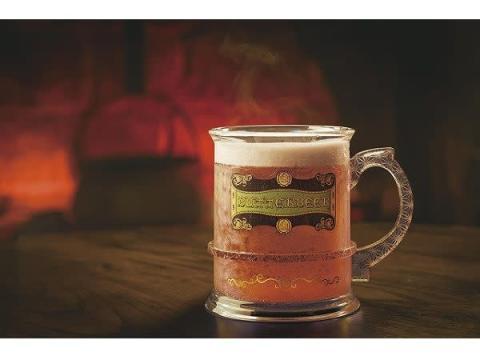 USJにクリスマス仕様の「バタービールマグカップ」が登場!