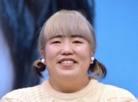 ゆりやん、髪型イメチェンは「雑誌の企画」 イベントでボケ倒す