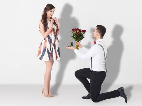 モテる・モテない関係ない?「サクッと結婚する女子」の特徴