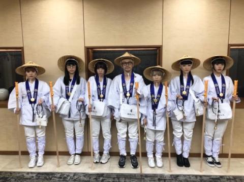 """BiSHが""""お遍路""""愛媛県内26ヶ所霊場巡り達成「次はツアーで松山に戻ってくる」"""