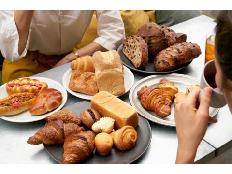 自転車に乗って、パンを食べて、パンの裏側を知る「おつかいパンライド」