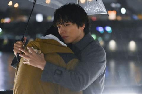 『おっさんずラブ』第6話に初登場・山崎育三郎と春田がまさかのハグ!?