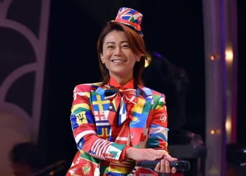氷川きよし、Xmasライブで衣装8変化 「ボヘミアン・ラプソディ」日本語カバーで観客圧倒