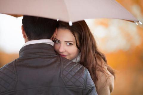 要注意!気になる人とのデートでやってはいけない行動
