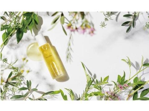 植物の息吹を感じる香りと潤い!コスモスオーガニック認証の全身用オイル