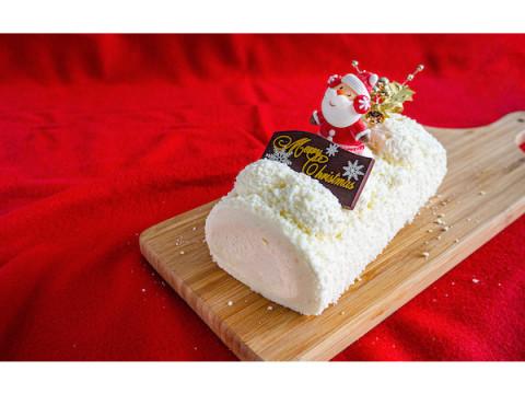 """レアチーズクリーム&ふわっふわの生地!真っ白なスペシャル""""ロールケーキ"""""""