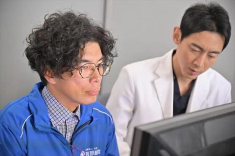 片桐仁、異色の医療ドラマにスーパーSE役で出演 小泉孝太郎主演『病院の治しかた』